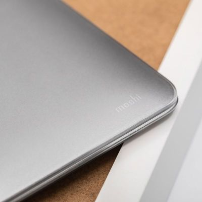 "MOSHI IGLAZE - OBUDOWA MACBOOK AIR 13"" (THUNDERBOLT 3/USB-C) (STEALTH CLEAR)"
